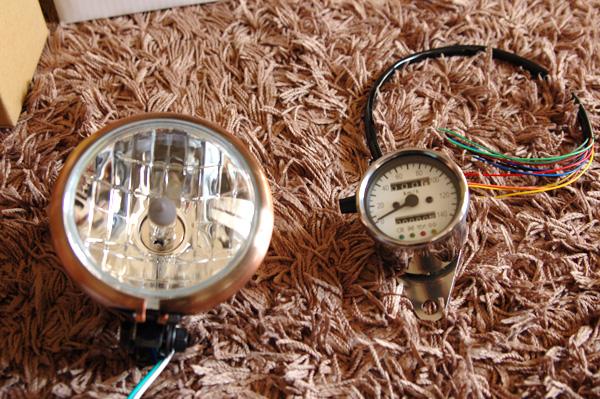 4.5インチベーツライト、LEDスピードメーター